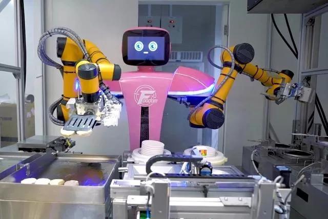 """""""最先进的系统化机器人餐厅""""亮相!碧桂园挺进智慧餐饮行业"""