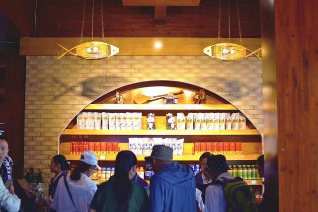 喀纳斯快餐厅重装升级,智慧餐厅本土风味的特色盛筵让人无法抗拒