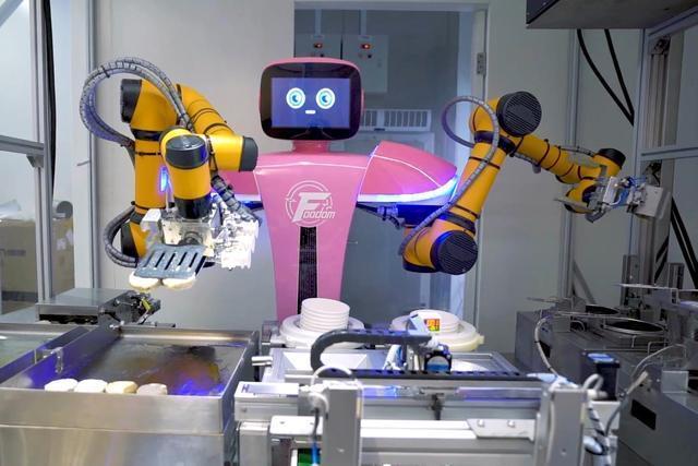 全世界最先进的系统化机器人餐厅亮相!碧桂园挺进智慧餐饮行业